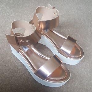 Steve Madden Surfside Rose Gold Platform Sandals